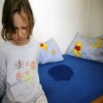 chữa đái dầm cho trẻ